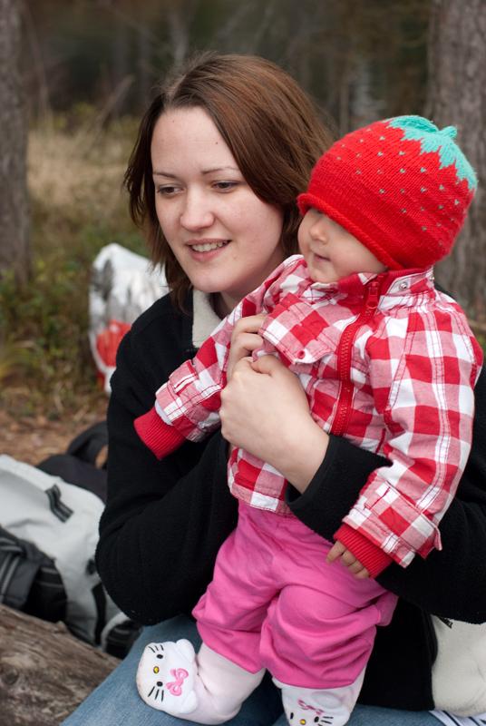 Annelie med bebis som vägrar uppge sitt namn