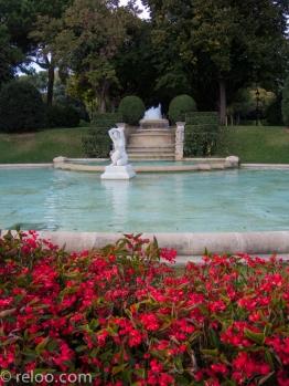 Parken vid palatset i Barcelona