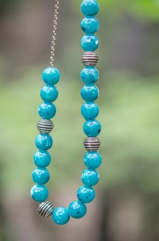 Halsband på träd