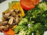 Broccoli, tomater, champinjoner, paprika och bönor