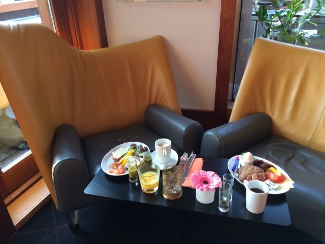 Frukost på Avalon Hotell