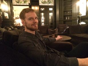 Jon i loungen på Varbergs Kusthotell