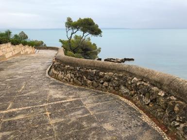 Nedanför vårt hotell Ponent Mar